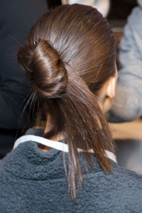 hbz-fw2015-hair-trends-new-french-twist-victoria-beckham-bks-z-rf15-1592